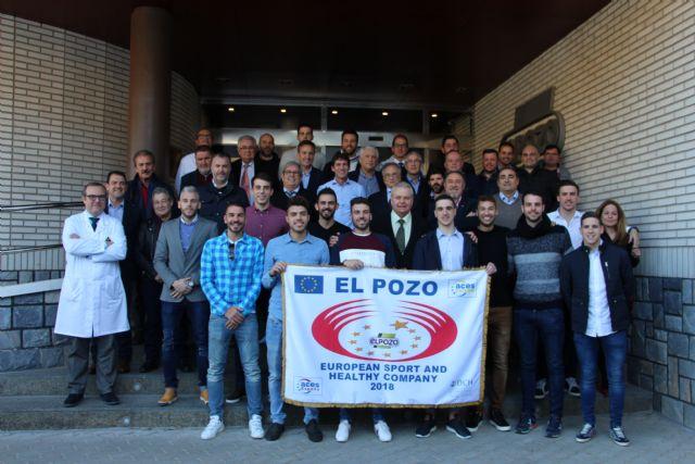 La plantilla de ElPozo Murcia FS celebran la comida navideña centrados en ganar a Osasuna Magna, Foto 1