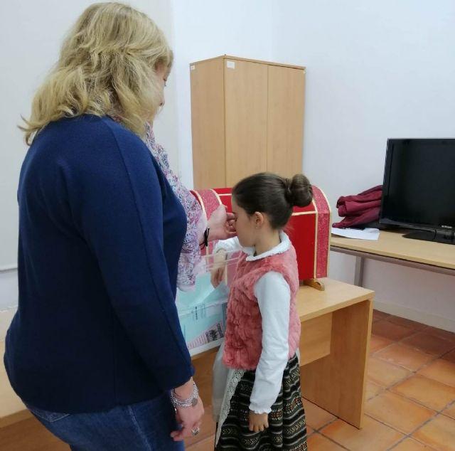 "A total of 84 boys and girls choose to participate in the Cabalgata de Reyes through the activity ""Buzón Real"""