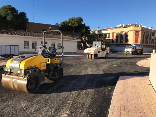 El Ayuntamiento destina 40.000 euros al asfaltado de calles del centro urbano, barrios y caminos rurales - 1, Foto 1
