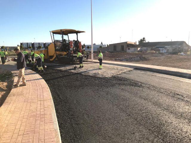 El Ayuntamiento destina 40.000 euros al asfaltado de calles del centro urbano, barrios y caminos rurales - 2, Foto 2