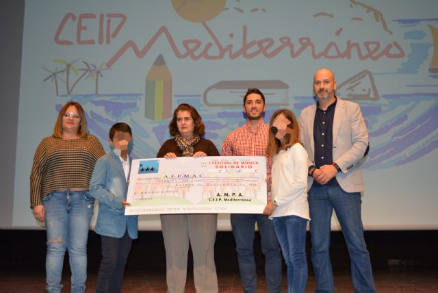 El colegio Mediterráneo celebra su festival navideño a beneficio de Afemac - 2, Foto 2