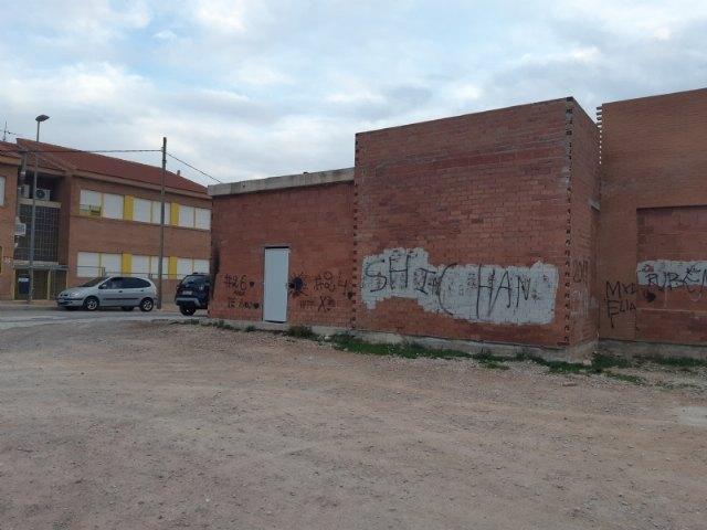 Acuerdan iniciar los trámites pertinentes para la puesta en valor del edificio municipal abandonado en la zona anexa al Jardín de San José, Foto 2