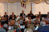 Jubilados y pensionistas disfrutan de la Navidad en el Centro de Mayores