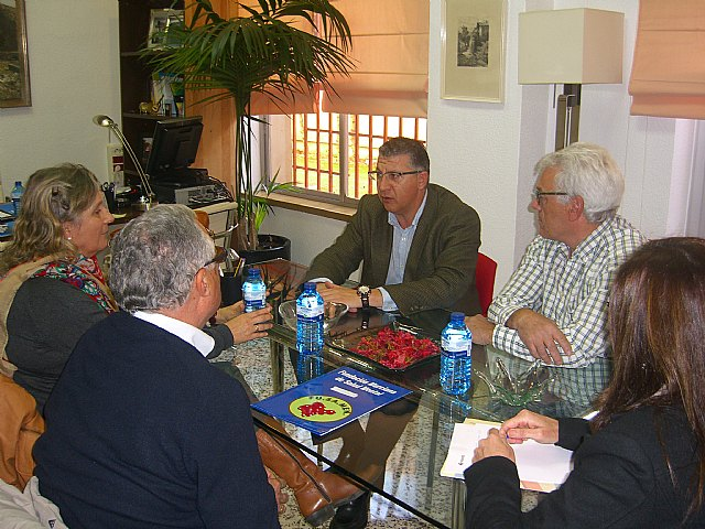 El director general de Personas con Discapacidad del IMAS recibe a responsables de FEAFES, Foto 1