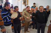 Autoridades municipales asisten al Raiguero Alto donde se ha celebrado el tradicional Canto de Ánimas de la mano de la cuadrilla de la pedanía