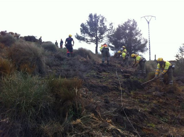 The Fall of a high voltage cable causing a fire in the viewpoint of the Holy, Foto 3