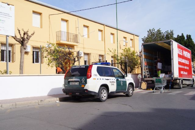 The Civil Guard moves these days the barracks - 1