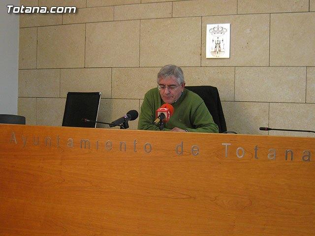 Rueda de prensa IU-verdes Totana, valoración Pleno enero 2013, Foto 1