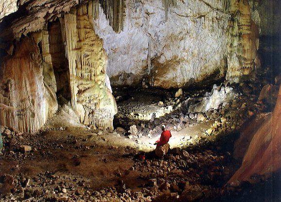 La Consejería de Cultura, el Ayuntamiento y la Federación de Espeleología pondrán en valor la Cueva de la Moneda, en Sierra Espuña, Foto 1