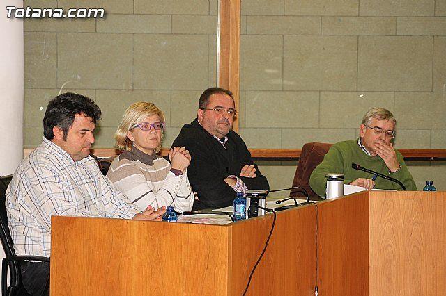 IU-verdes denuncia que durante enero de 2013, 64 personas quedaron sin trabajo en Totana, alcanzando los 2474, Foto 1