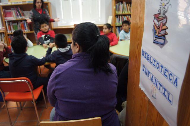 Los escolares de Totana se acercan al mundo de los cuentos populares, Foto 3
