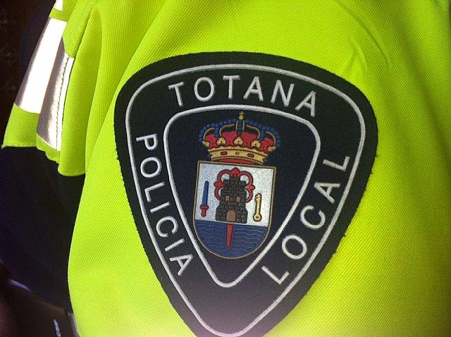 La Policía Local detiene a un individuo por un presunto delito de usurpación del estado civil que conduciá sin permiso, Foto 1