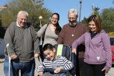 La Iglesia Ecuménica dona una silla especial a un niño de Mazarrón