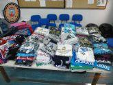 Decomisados cientos de artículos ilegales en el mercadillo de puerto de Mazarrón