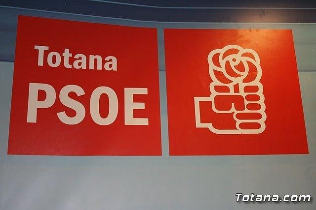 PSOE: ¿Cuándo van a poner las cartas boca arriba?, Foto 1