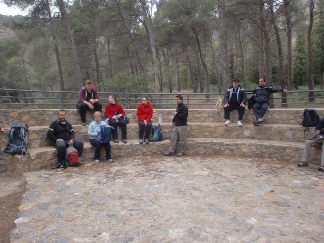 Un total de veintiún senderistas participaron el pasado domingo en una ruta que discurrió por Sierra Espuña, Foto 2