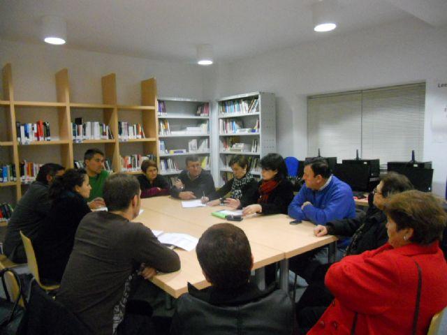 Autoridades municipales se reúnen con representantes de los vecinos de El Paretón-Cantareros, Foto 1
