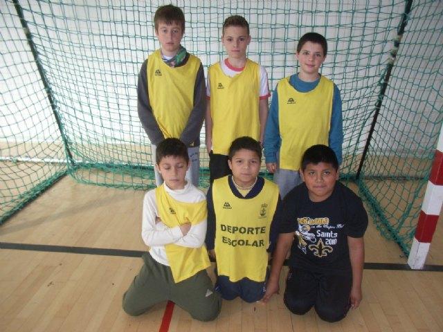 Comienza la fase local de futbol sala alevín de Deporte Escolar, organizada por la concejalía de Deportes, Foto 1