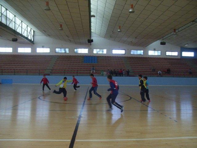 Comienza la fase local de futbol sala alevín de Deporte Escolar, organizada por la concejalía de Deportes, Foto 3