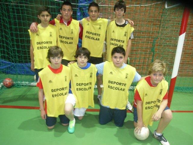 Los centros de enseñanza de La Milagrosa y Juan de la Cierva participaron en los cuartos de final de la fase intermunicipal de futbol sala infantil y cadete de Deporte Escolar, Foto 2