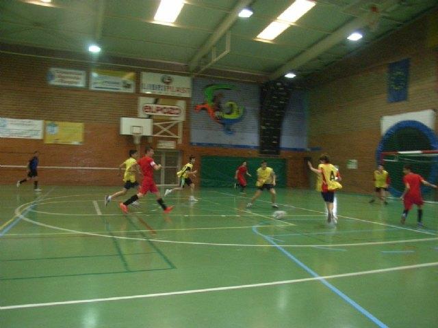 Los centros de enseñanza de La Milagrosa y Juan de la Cierva participaron en los cuartos de final de la fase intermunicipal de futbol sala infantil y cadete de Deporte Escolar, Foto 3