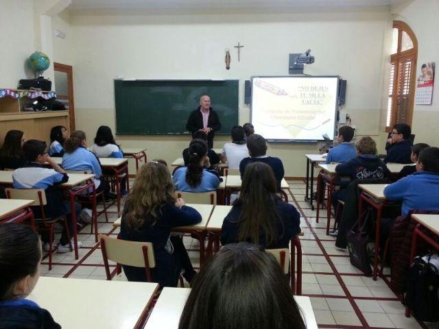 Desarrollan charlas informativas preventivas en los centros educativos de ESO, Foto 1