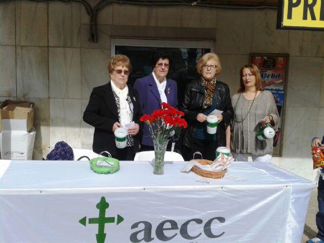 La Junta Local de Totana de la AECC recauda 2.699 euros en la cuestación realizada el pasado Domingo de Ramos, Foto 2