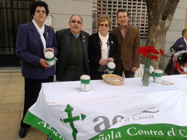 La Junta Local de Totana de la AECC recauda 2.699 euros en la cuestación realizada el pasado Domingo de Ramos, Foto 4