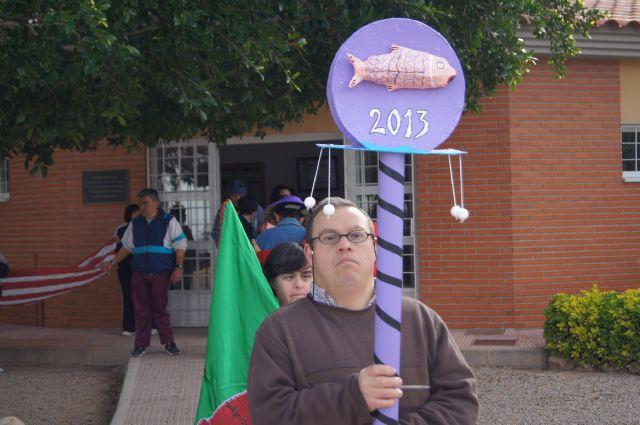 El Grupo Sardinero Baco visita el Centro Ocupacional José Moya Trilla acercando las Fiestas de Primavera a los usuarios, Foto 1
