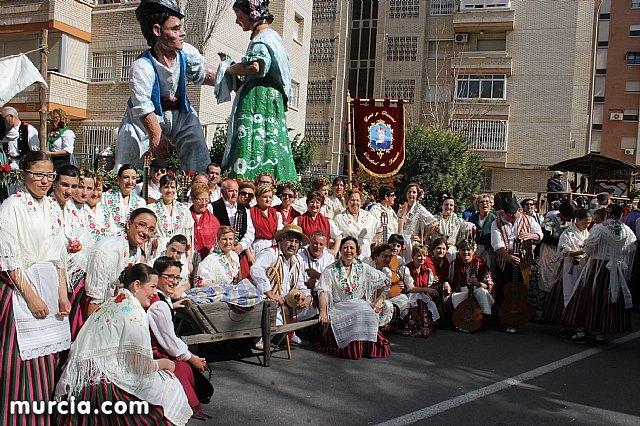 El grupo de coros y danzas Ciudad de Totana promocionó una vez más a Totana en el Bando de la Huerta, Foto 1