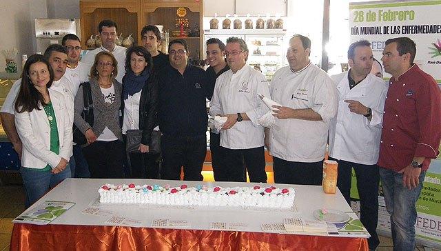 La tarta murciana más grande del mundo con 250 metros en beneficio de las personas con enfermedades raras, Foto 3