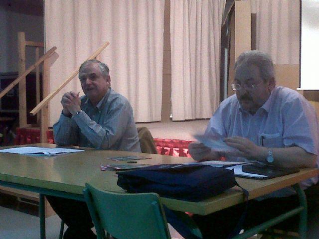 El AMPA del Juan de la Cierva organizó una charla informativa, Foto 1