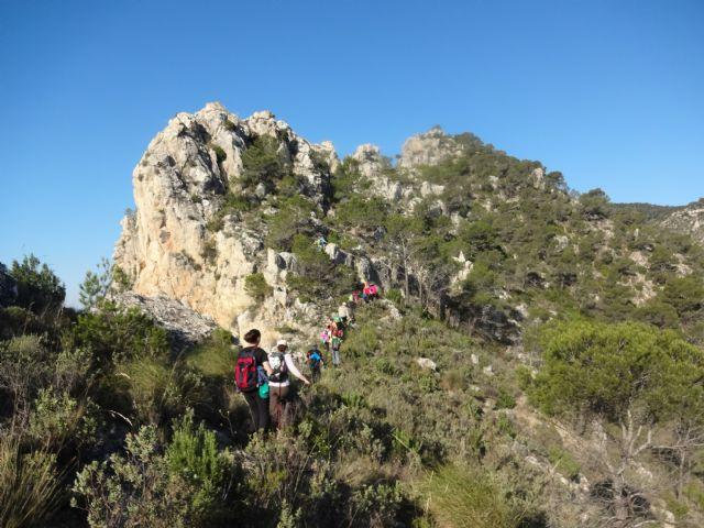 El Club senderista realizó la ruta Los Almeces por los Cuernos, por la Sierra De Ricote, Foto 1
