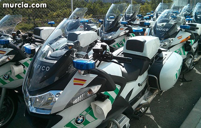 Las distracciones al volante originaron el 26% de los accidentes con víctimas en carreteras de la Región de Murcia en 2012, Foto 1