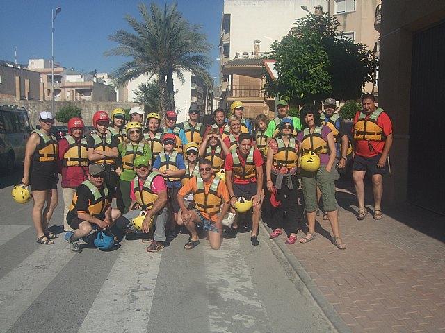 El club senderista de Totana organizó el pasado domingo 2 de Junio un descenso por el rio Segura en Rafting, Foto 2