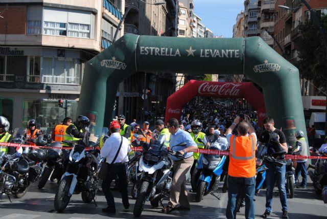Bascuñana da la salida a los participantes en la XVIII Ruta Mototurística 2013, Foto 2