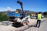 Se acometen las actuaciones del plan integral de parcheo en las calles y caminos rurales de El Paretón-Cantareros