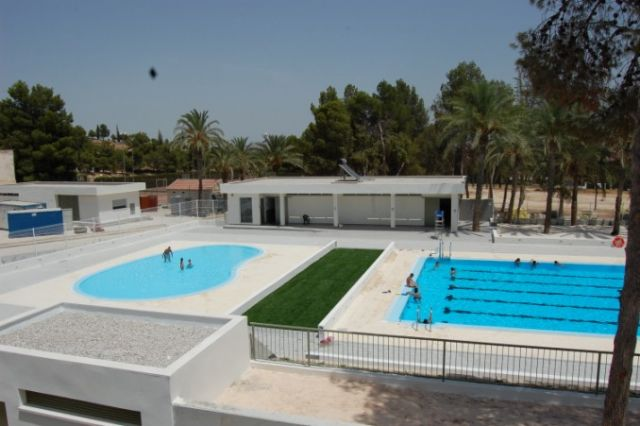Alguazas alguazas inaugura el verano con la apertura de for Piscina alcantarilla