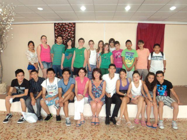 "Performance theater students from IES Prado Mayor Geriatric Center ""La Purisima"", Foto 1"