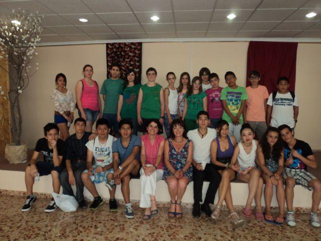 "Performance theater students from IES Prado Mayor Geriatric Center ""La Purisima"", Foto 2"