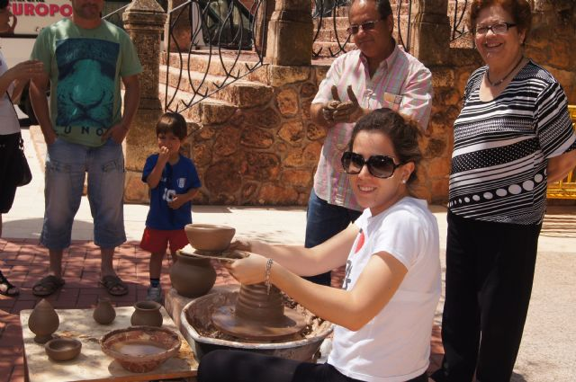 El mercadillo artesano de La Santa finaliza la primera temporada del año con un gran éxito de visitantes, Foto 1