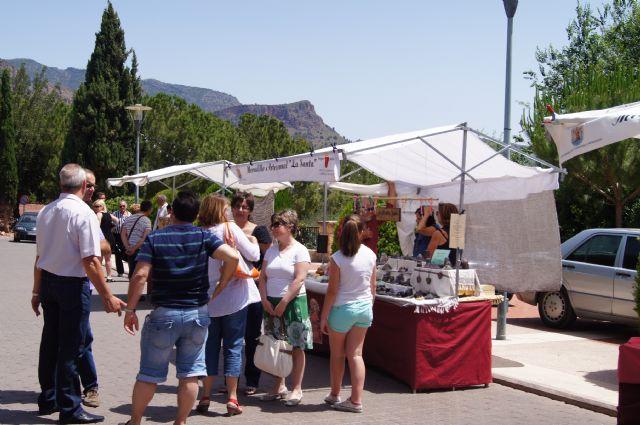 El mercadillo artesano de La Santa finaliza la primera temporada del año con un gran éxito de visitantes, Foto 2