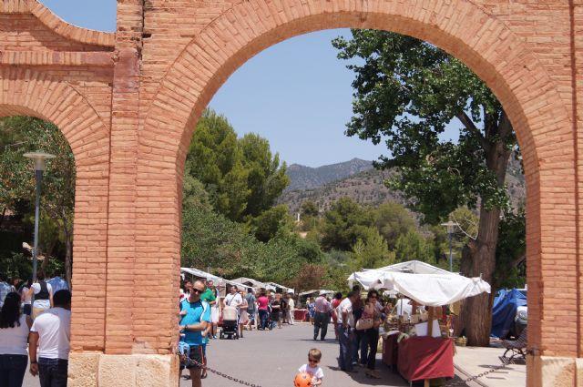 El mercadillo artesano de La Santa finaliza la primera temporada del año con un gran éxito de visitantes, Foto 3