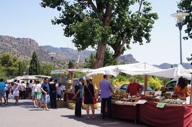 El mercadillo artesano de La Santa finaliza la primera temporada del año con un gran éxito de visitantes, Foto 4