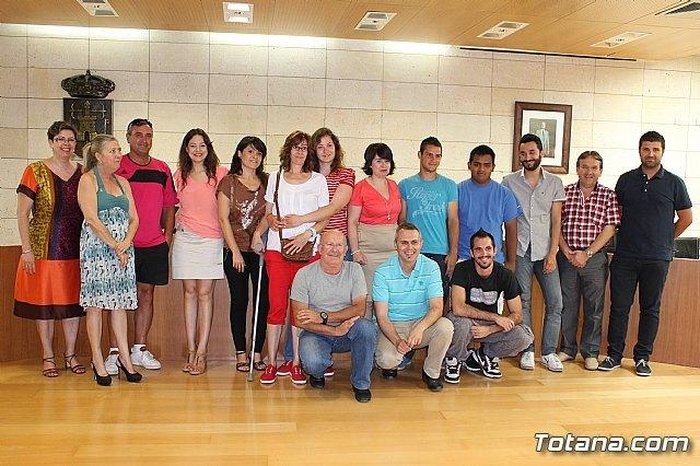 Empresas de Totana firman un convenio con el Ayuntamiento, Foto 1