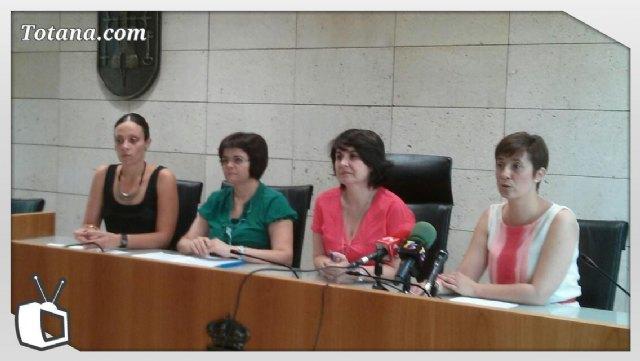 Se presenta el nuevo servicio municipal de ayuda a domicilio que en la actualidad atiende a 47 usuarios de Totana, Foto 1