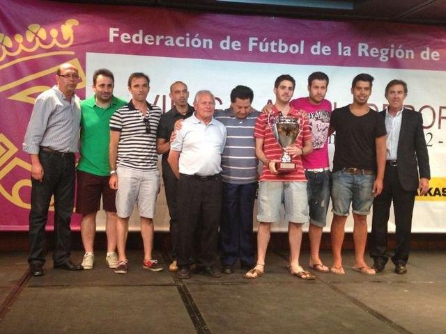 La FFRM reconoce la labor de Cosme Martínez, del CFS Capuchinos de Totana, Foto 2