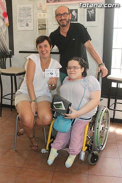 Isa ya tiene nueva silla de ruedas adaptada, Foto 2