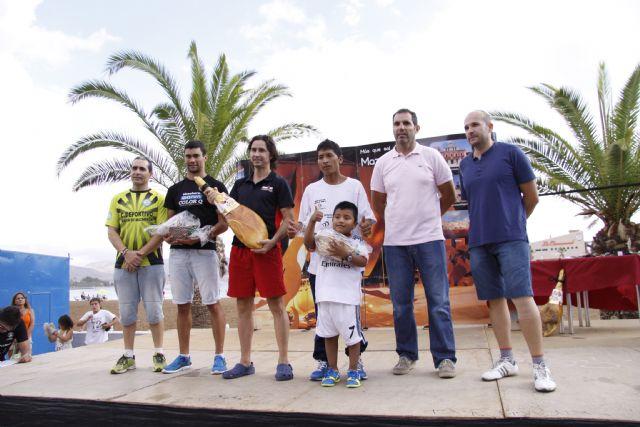 Más de 400 atletas participan en la III Media Maratón y III Carrera Popular Bahía de Mazarrón, Foto 2