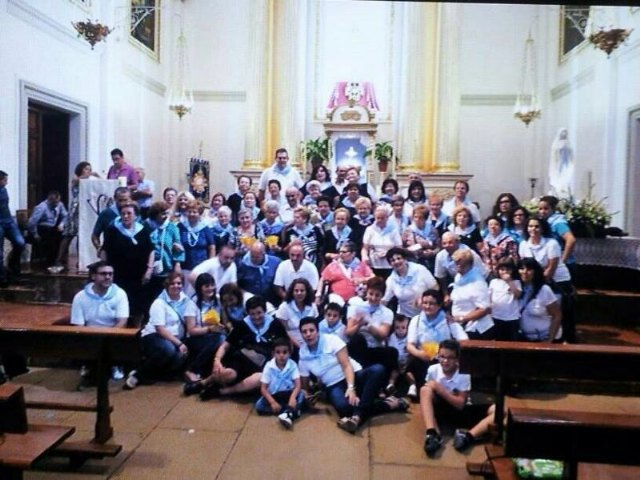 80 personas de Totana peregrinan a Mutxamel por el Año Jubilar del V centenario de la Parroquia El Salvador, Foto 1